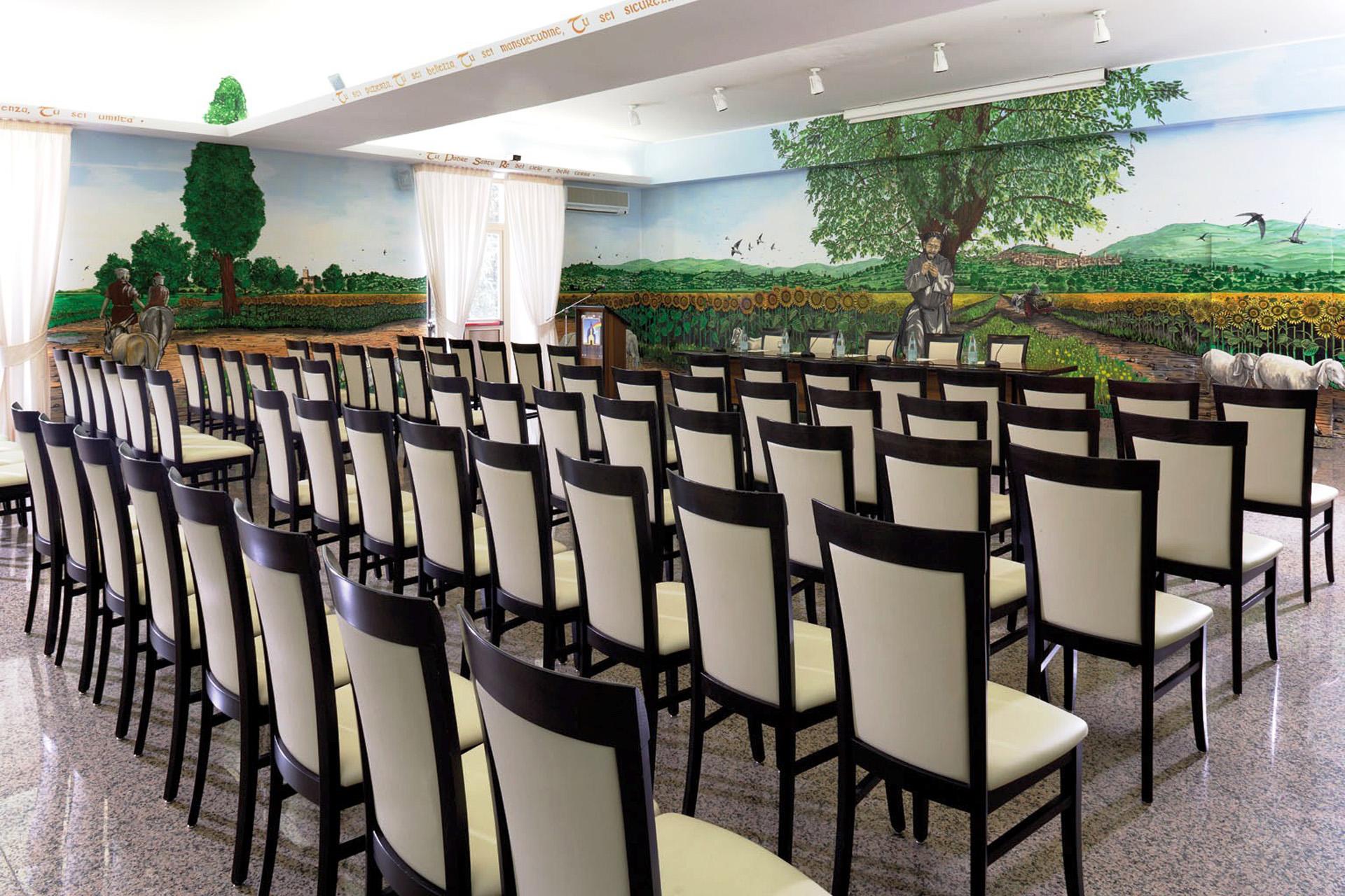 Centro Congressi Assisi Domus Pacis Sala Perfetta Letizia Disposizione Theatre 1 (2)